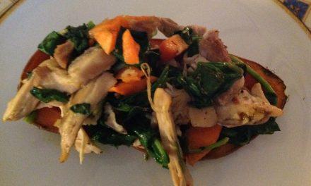 Paleo recept zoete aardappel met kip en spinazie