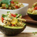paleo-recept avocado kip salade