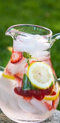 aardbei citroen basilicum water