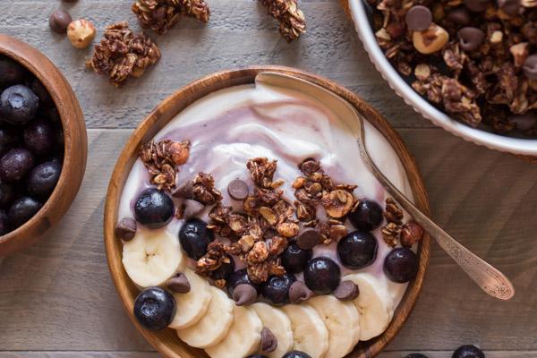 paleo granola yoghurt