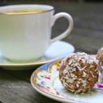 Kokos mokka bolletjes, een heerlijke suikervrije traktatie!