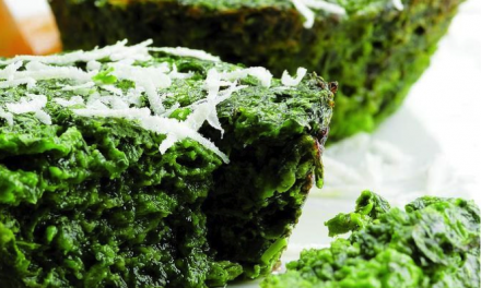 Spinazie cakejes met parmezaanse kaas, glutenvrij.