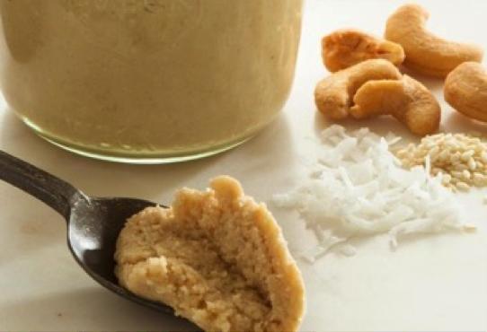 Recept voor een spread van noten en kokos